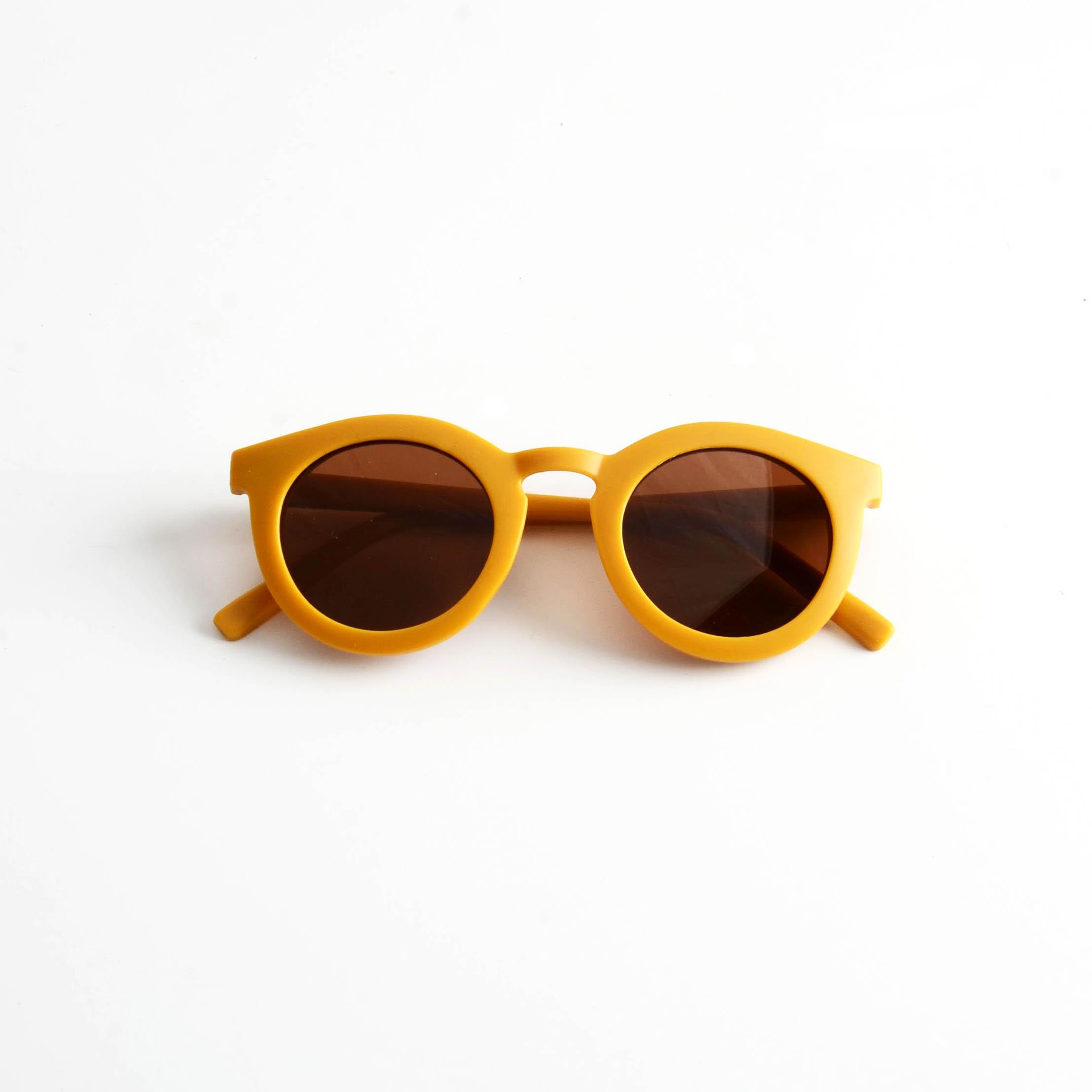 Sunglasses Golden  12.5cm  x 14cm