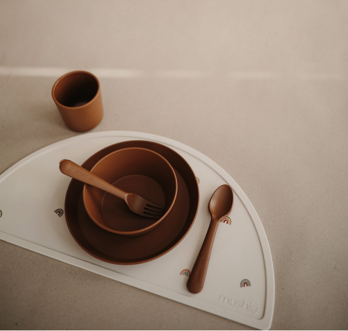 Set 2 Round Dinnerware Plates Caramel